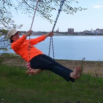 summer breeze_KE on swing (1)